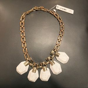 NWT Ann Taylor White Marble Statement Necklace